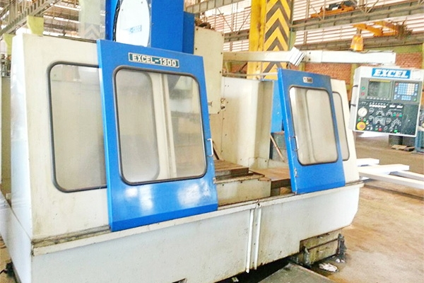 CNC Vertical Machining Center Model : EXCEL 1300